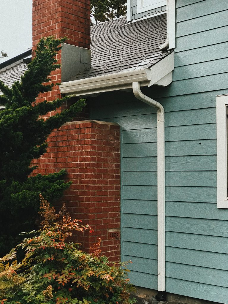 Do Gutters Need To Be Removed To Replace A Roof